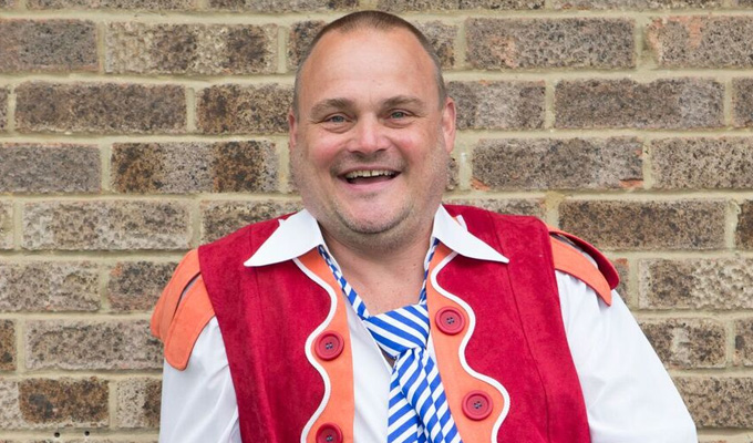 Al Murray wins panto prize | Oh yes he does... for role in Jack & The Beanstalk