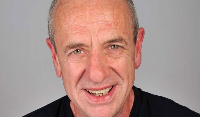 Arthur Smith Sings Leonard Cohen (Vol 2) | Gig review by Steve Bennett at the Soho Thearte