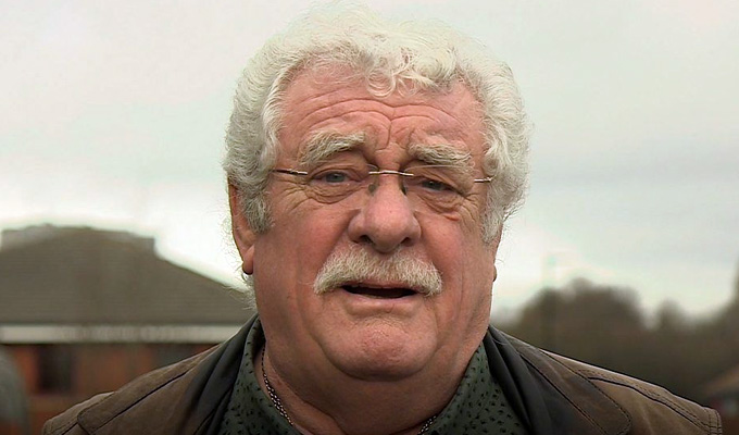Benidorm star Bobby Knutt dies at 71 | Actor started as a stand-up in the 1960s