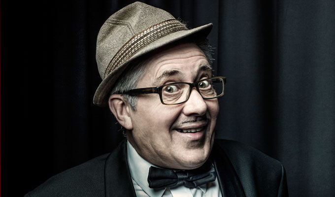 Count Arthur Strong: The Sound Of Mucus | Gig review by Steve Bennett at the Palace Theatre, Southend