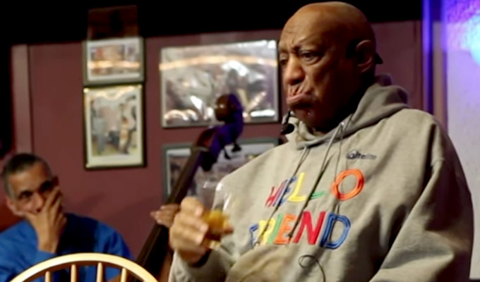Bill Cosby returns to stand-up | Warm reception at first gig since scandal broke