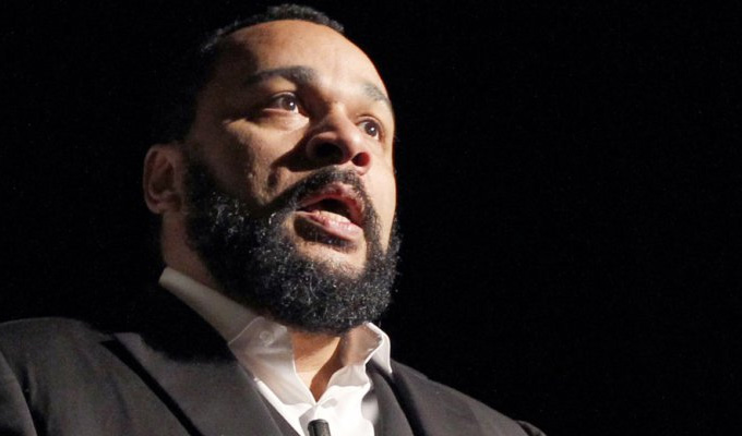 Dieudonne detained | Anti-semitic French comic banned from entering Hong Kong