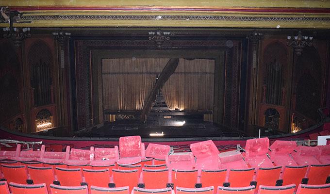 EMD cinema inside