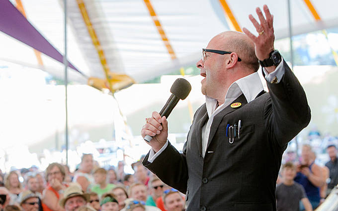 Harry Hill at Latitude | Review by Steve Bennett