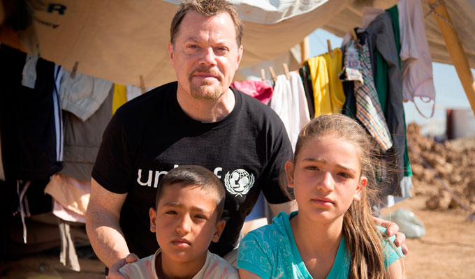 Eddie Izzard visits Iraq | To highlight child refugee crisis