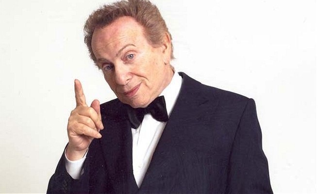 Jackie Mason announces UK gigs | Three years after the 'farewell' shows
