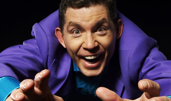 Lee Evans returns to the stage | Performing Shakespeare at a refugee fundraiser