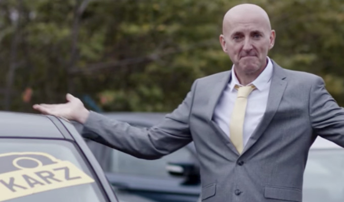 Lee Hurst's a dodgy used car salesman | ...in a brief appearance in new TV ad