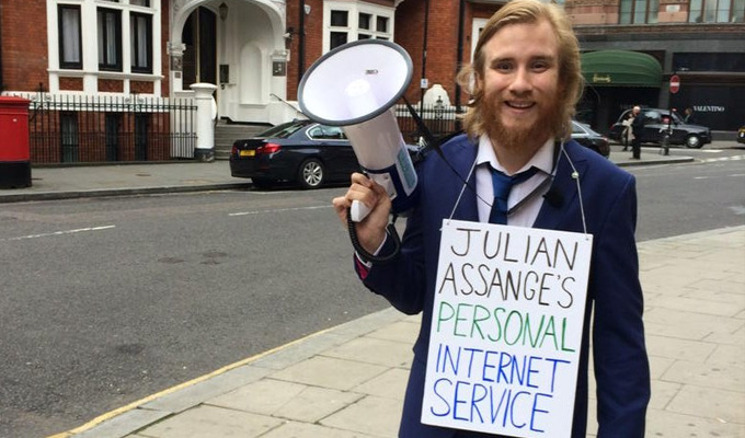 Comedian brings the internet to Julian Assange | Bobby Mair's embassy stunt