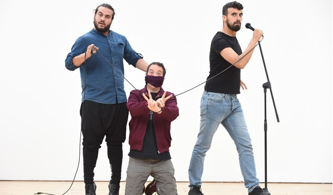 The comedy club in a Palestinian refugee camp | Mark Thomas tells its story in new stage show