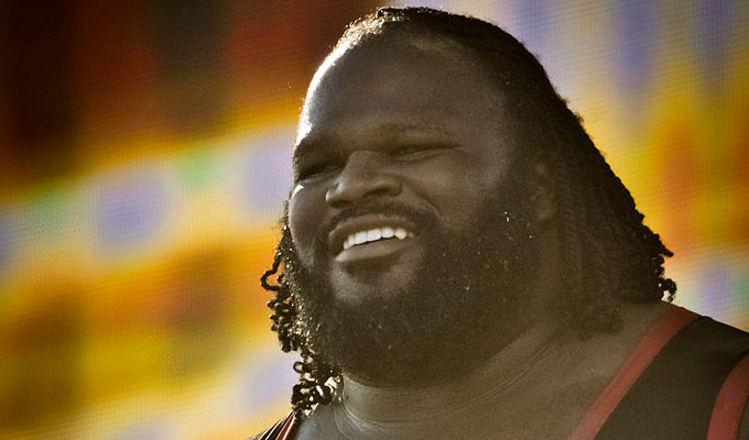 Wrestling with comedy | WWE champ Mark Henry turns to stand-up