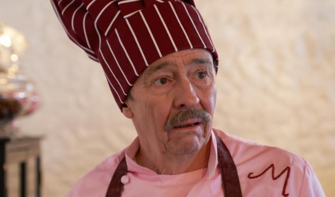 Whitehouse in chefs hat