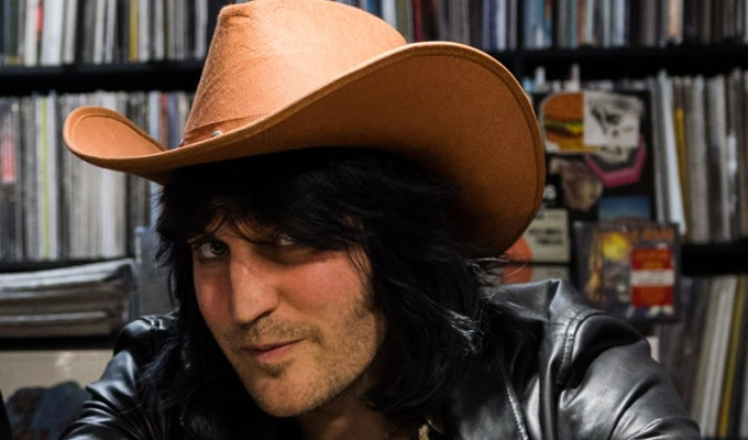 Noel Fielding wins phone-hacking damages | ...as does Vic Reeves' ex-wife and others