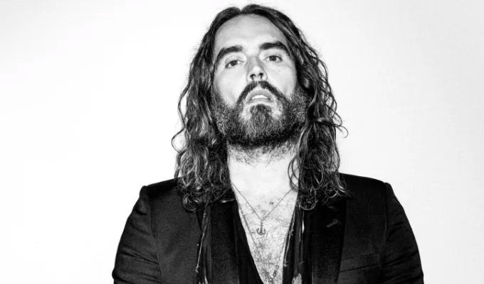 Russell Brand pulls gig over coronavirus | Infected woman had previously attended venue