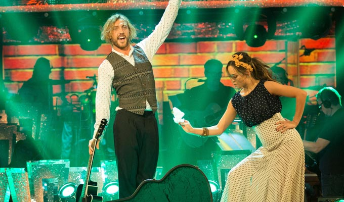 Seann Walsh survives Strictly dance-off | Comedian makes it through another week