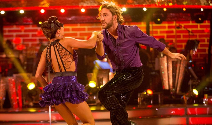 'It went so well in rehearsal...' | Seann Walsh struggles in Week 2 of Strictly
