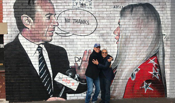 See, Jerry Seinfeld CAN hug | Comic visits Melbourne street mural