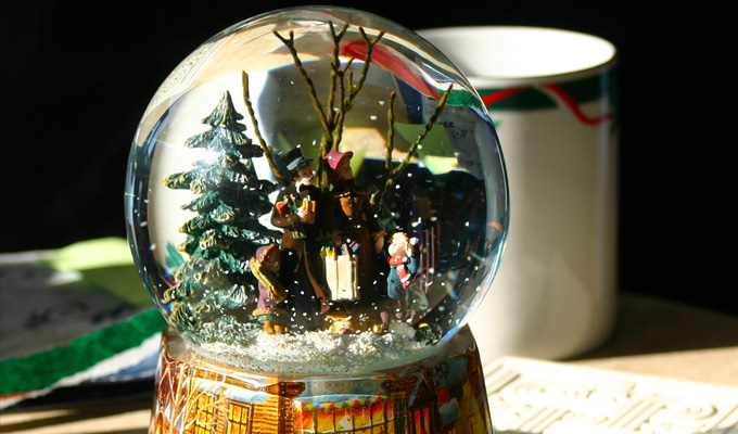 I want to get into the snow globe business... | Tweets of the week