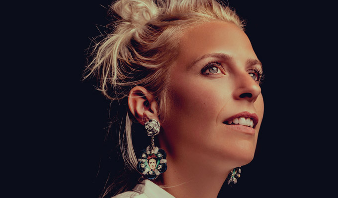 Sara Pascoe to make a BBC Two sitcom | Exploring family, relationships and biology