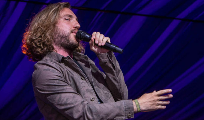 Seann Walsh slips a disc | ...and is in so much pain he pulls a gig