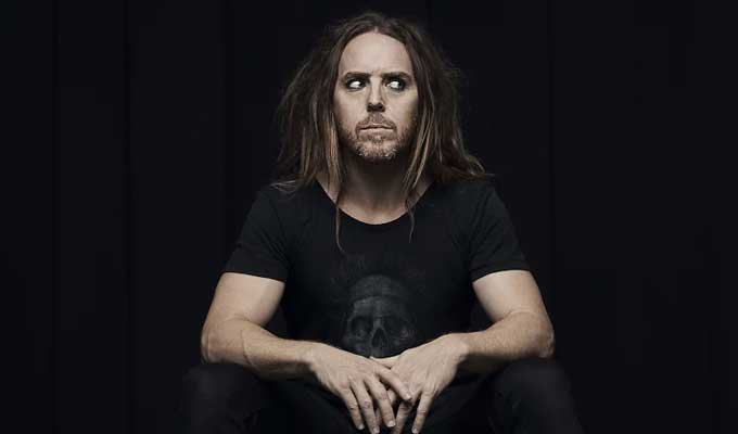 Tim Minchin releases a new track | 15 Minutes is about social media humiliation