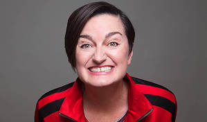 Zoe Lyons – Entry Level Human